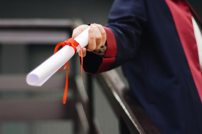 Online studieschuld verwijderen of diploma kopen, trap er niet in